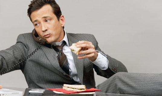 Claves para comer bien en la oficina