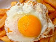 Los riesgos y beneficios del huevo