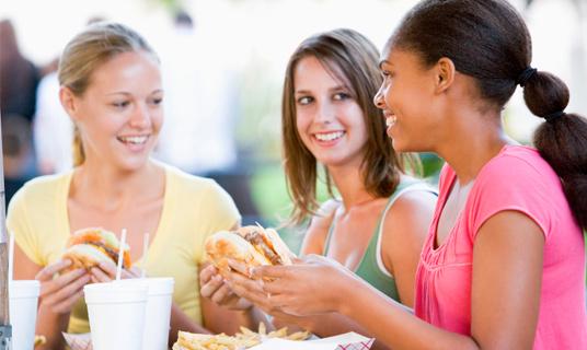 Cómo alimentarse en la adolescencia